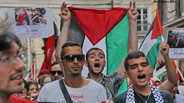 Палестинцы Турина вышли на главную площадь города