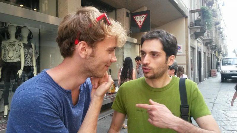 Trucco Per Farsi Baciare ragazzo – Esperimenti Sociali – NCMLF NoiCiMettiamoLaFaccia