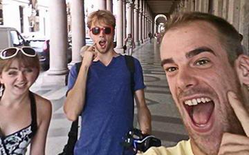 """Скрытая камера в Турине – """"Сфотографируй меня пожалуйста!"""""""