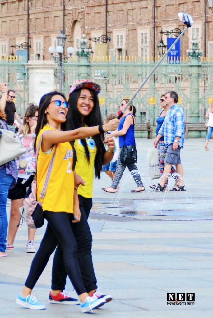 Селфи минипод Турин уличная фотография Италия
