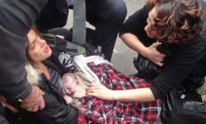 Женщина родила ребенка на одной из оживленных улиц Турина.