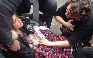 Женщина родила ребенка на оживленной улице Турина