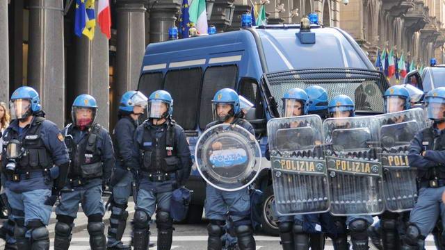 Европейский саммит в Италии столкновения с полицией в Турине