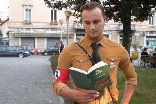 Гей фашист в Милане против традиционной семьи в Италии