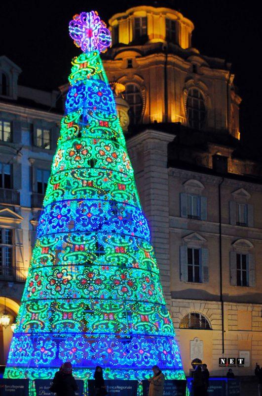 Новогодняя елка Италия Турин
