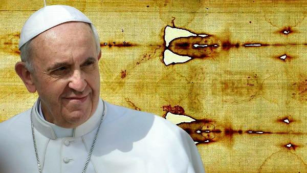 Папа Римский визит в Турин поклонение Плащанице Папа Франциск поклоняется святой плащанице в Турине