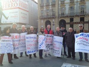 акция в турине в поддержку Савченко и памяти Бориса Немцова
