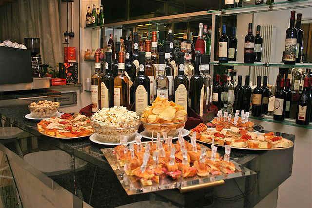 Лучшие аперитивы Италии в городе Турин