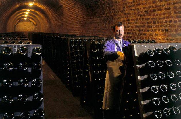 spumant- italiano torino Champenoise вина Турина Пьемонта