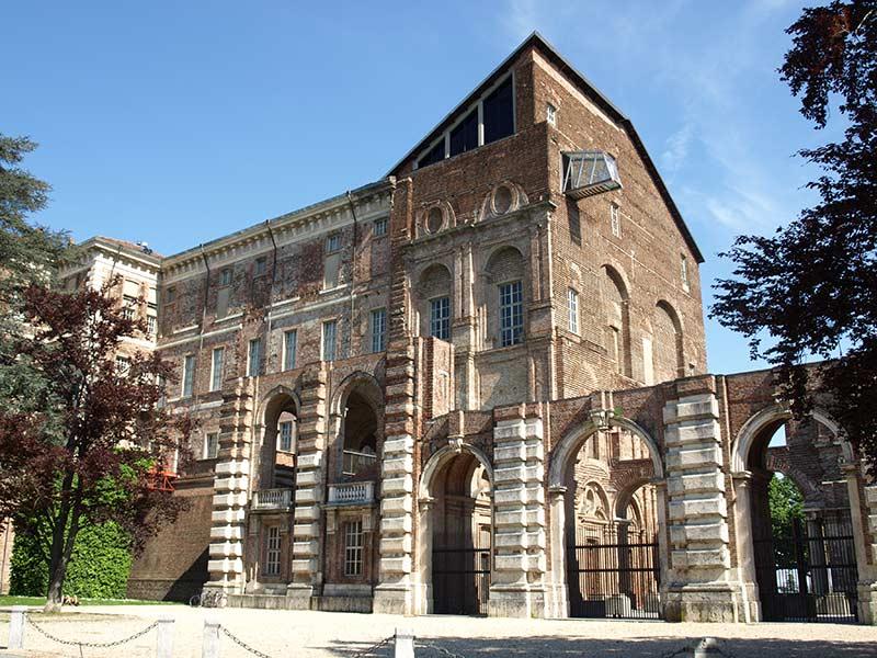 Замок Риволи в Турине 5 достопримечательностей в окрестностях Турина