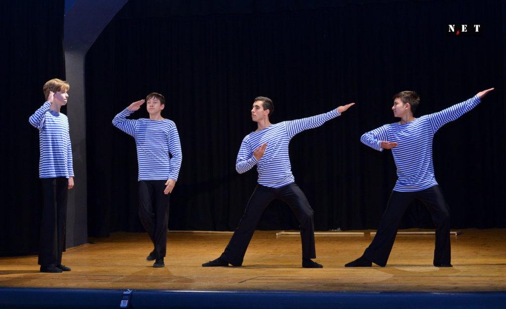 Danze e Canti tradizionali dalla Russia dell'ensemble di bambini e ragazzi da Mosca