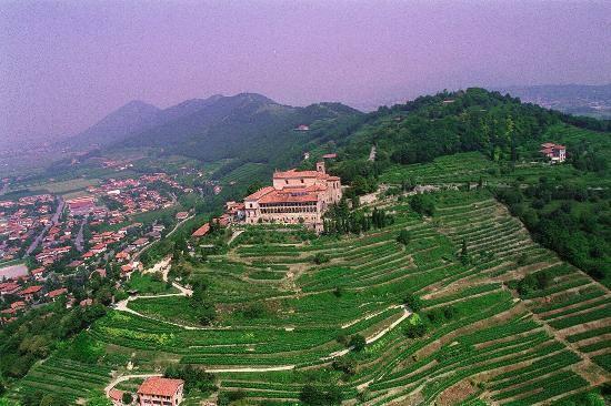 Города и замки регионов на севере Италии