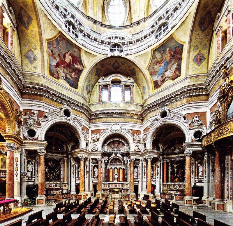 Церковь святого Лоренцо в Турине достопримечательности