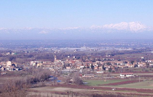 Говорят в Италии мало места, посмотри на просторы и горы Пьемонта