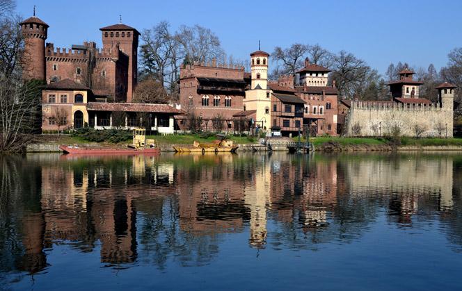 Средневековая деревня и крепость в Турине парке Валентино