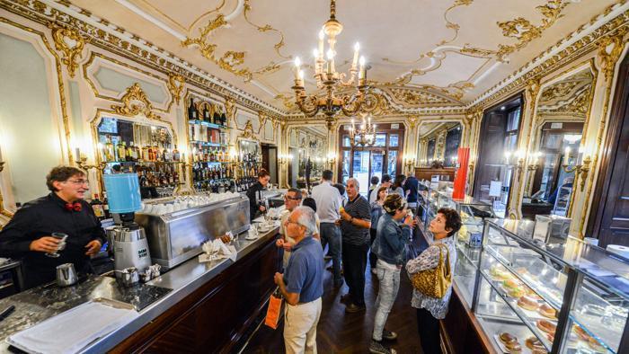 Знаменитое туринское кафе Torino piazza San Carlo