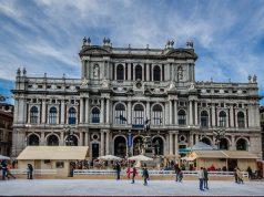 Ледовый каток в Турине в декабре что посмотреть
