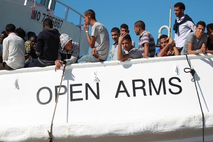 Мигранты в Италии возмущены новыми законами