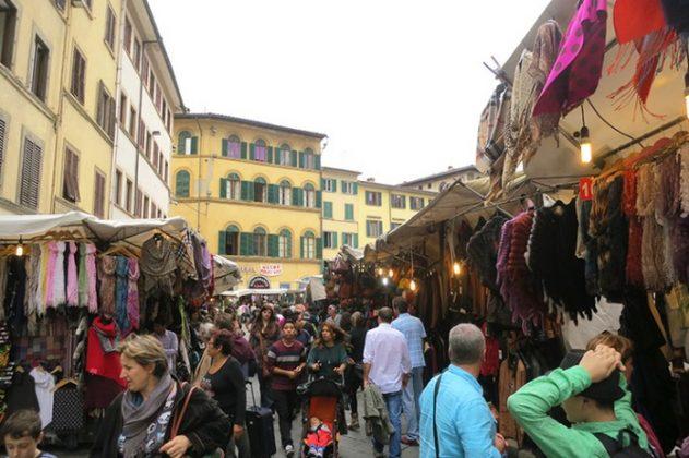 Флоренция Помимо всех архитектурных и художественных шедевров, туристы также могут найти много хороших магазинов