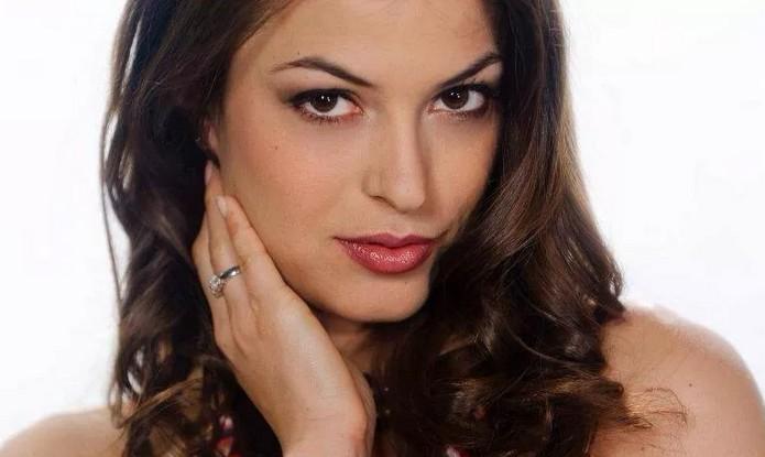 Сара Томмази - модель и актриса красивая итальянка знакомая с футболистами