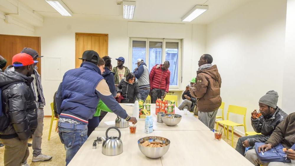 Куда переселили беженцев африканцев Турин