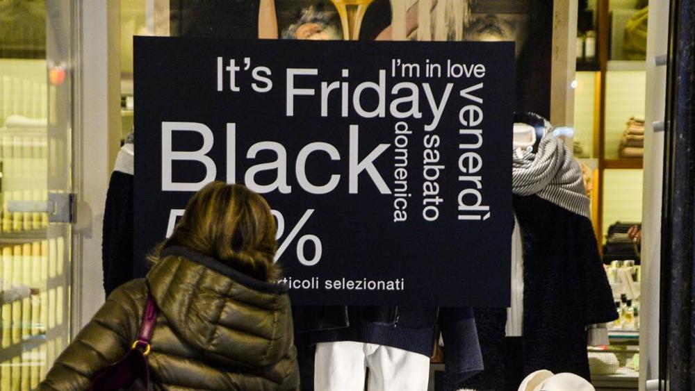 Черная пятница в Турине огромные скидки