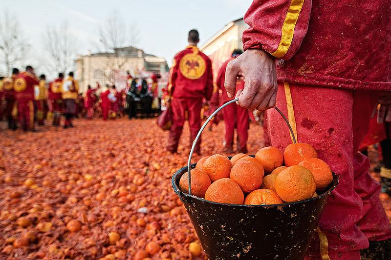 Битва апельсинов 2018 в Италии События Турина март 2019 года