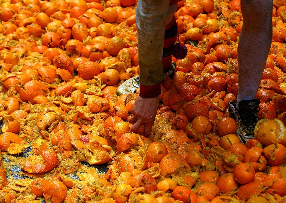 Битва апельсинов 2018 в Италии Ивреа