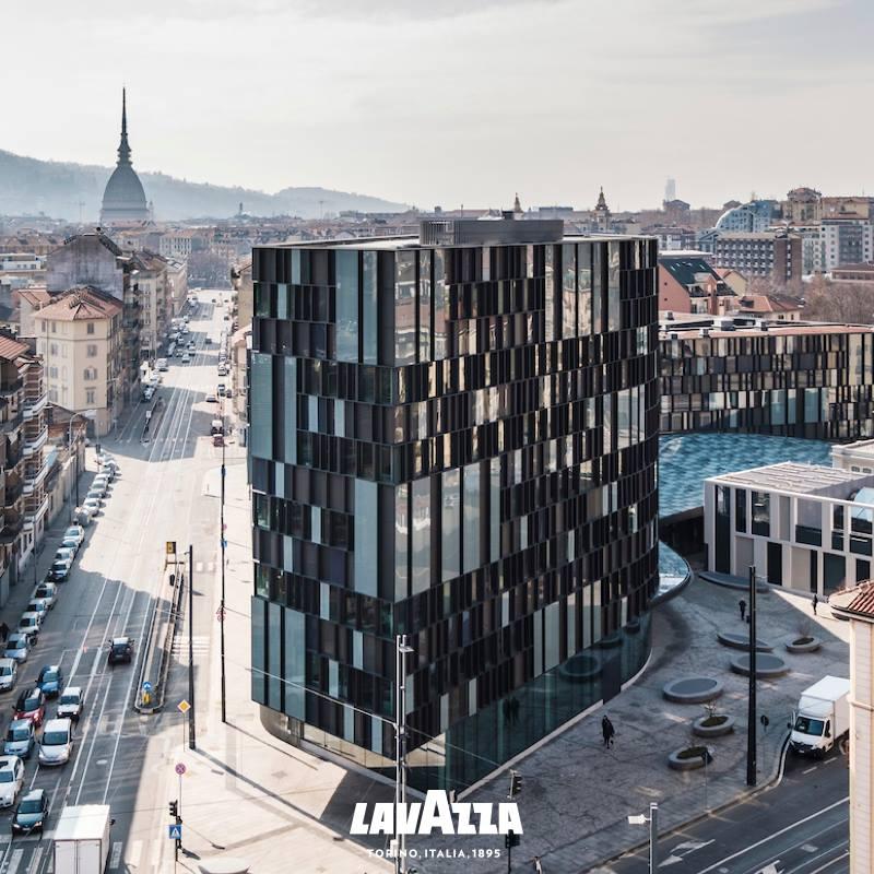 Футуристический фасад штаб квартиры Лавацца в Турине изменил внешний вид города