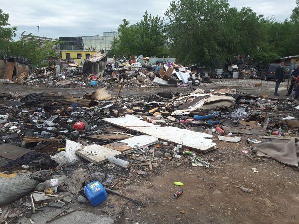В Турине снесли цыганский табор на via Tazzoli События Турина в июне 2018 года