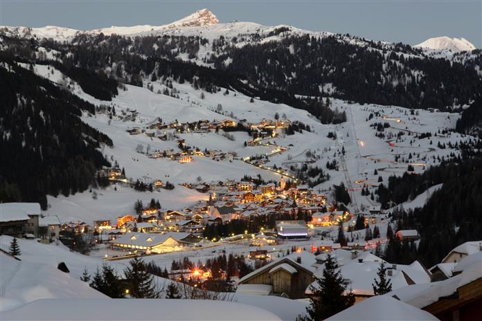 Alta Badia - это горнолыжный курорт в Доломитах на севере Италии