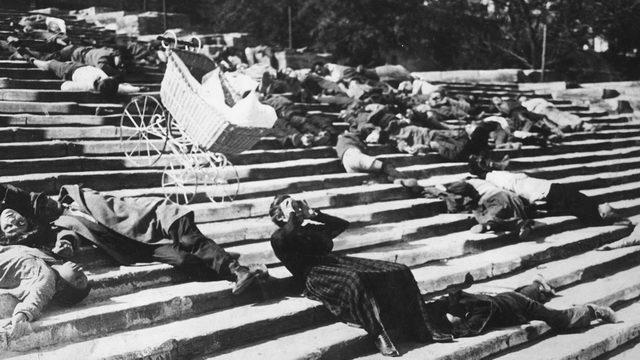 Среда, 25 июля. Броненосец Потемкин, записанный Иннодами в Палаццо Реале
