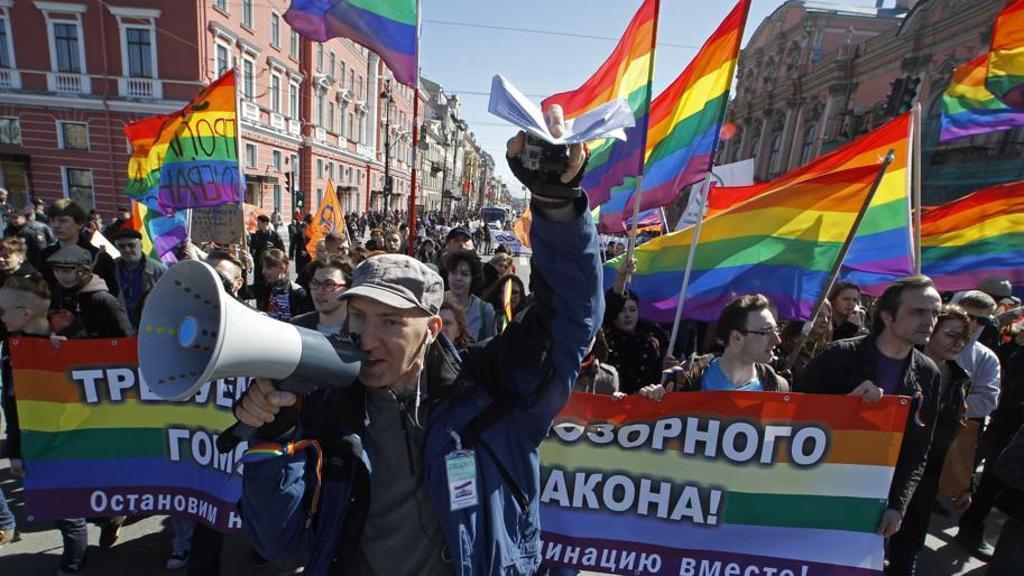 Секс меньшинства в Турине против дружбы с гомофобной Россией