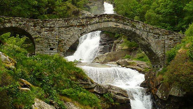 Водопады на севере Италии - Водопад Фондо север Италии