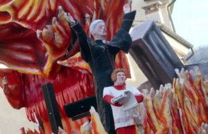 Священник педофил в Италии вызвал шок на карнавале