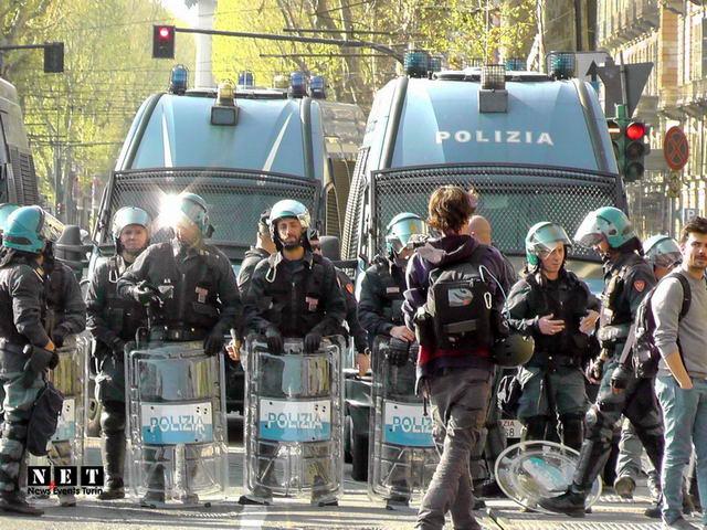 Anarchici al corteo di Torino