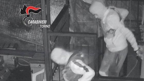 Воры в Турине выслеживали богатых жертв, а затем грабили их квартиры.