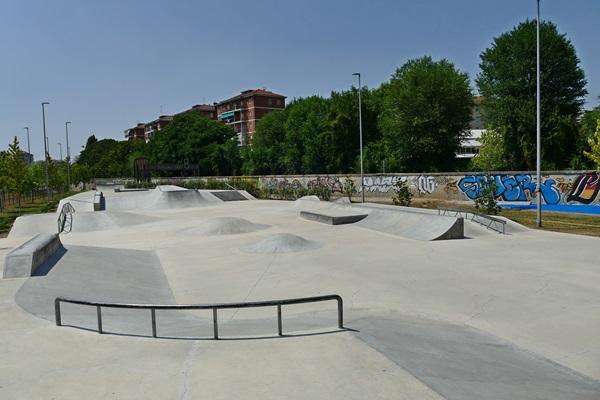 Скейт площадка город Турин Италия