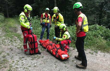 Альпийские спасатели Пьемонта спасли 52 человека, из которых 9 погибли и один пропал без вести.