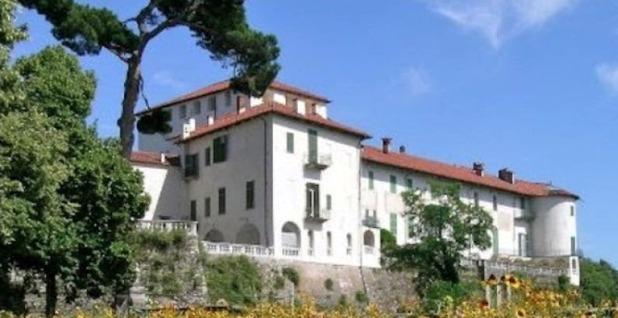 В воскресенье 8 сентября Castello di Masino предлагает эксклюзивное посещение погребов, где производилось вино.