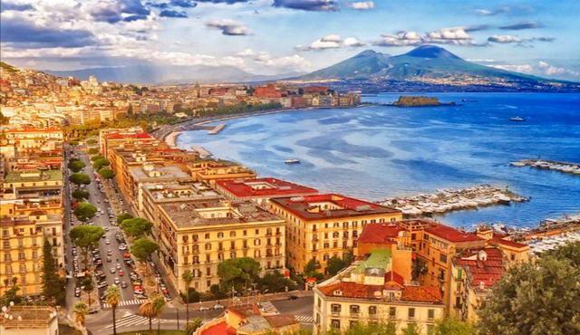 Топ-10 городов Италии - Неаполь