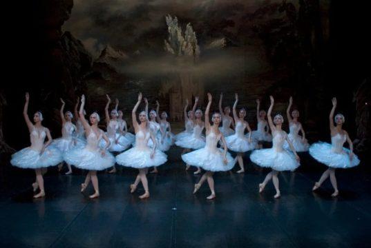 Лебединое озеро в Турине со звездами Санкт-Петербургского балета