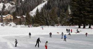 Естественный ледовый в Турине каток в полутора часах езды - Озеро Говер