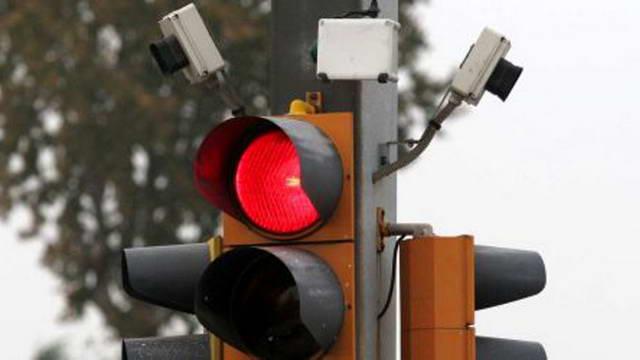Новые светофоры Т-red в Турине Италия