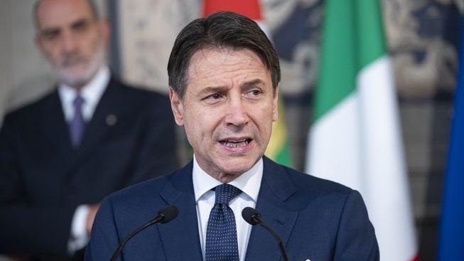 В Италии могут закрыть все школы. Правительство Италии рассматривает возможность закрытия всех школ