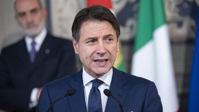 Премьер министр Италии Конте выпустил указ по сдерживанию пандемии