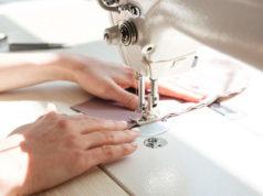 Дома моды Италии производят маски и дезинфицирующие гели