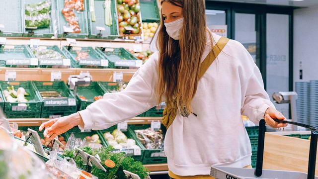 Избежать очередей в Турине в супермаркеты Италии коронавирус