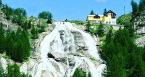 Водопад в Пьемонте Тосе, самый красивый на севере Италии и один из самых высоких в Европе