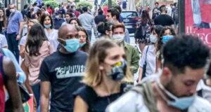 Жизнь в Турине и ношение масок мероприятия Турина в июне 2020